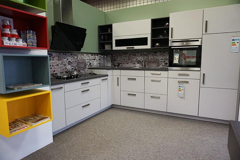 design systemboden teppichboden ausstellungsraum